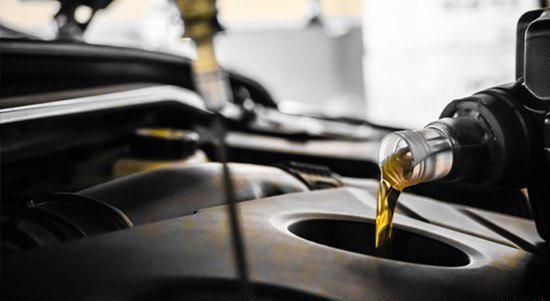为什么新车也会烧机油 报警灯亮需去维修站